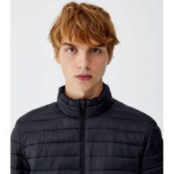 Pikowana kurtka. Brązowe kurtki męskie pikowane marki Pull&Bear, m. Za 109,00 zł.