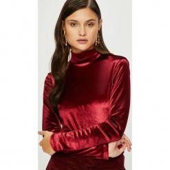 Answear - Bluzka Heritage. Czerwone bluzki asymetryczne ANSWEAR, l, z dzianiny, casualowe, z golfem. Za 89,90 zł.