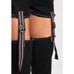 Jaded London WITH CUT OUT TAPE DETAIL Jeansy Slim Fit black. Czarne jeansy damskie marki Jaded London, z bawełny. W wyprzedaży za 296,10 zł.