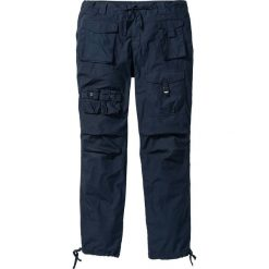 Spodnie bojówki Loose Fit bonprix ciemnoniebieski. Niebieskie bojówki męskie bonprix. Za 79,99 zł.