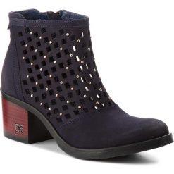 Botki CARINII - B4315 K59-000-000-861. Różowe buty zimowe damskie marki Carinii, z materiału, z okrągłym noskiem, na obcasie. W wyprzedaży za 239,00 zł.