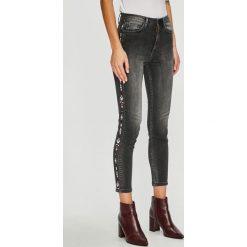 Trendyol - Jeansy. Niebieskie jeansy damskie marki House, z jeansu. Za 119,90 zł.