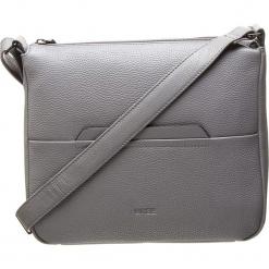"""Skórzana torebka """"Faro 1"""" w kolorze szarym - 23 x 17 x 7 cm. Szare torebki klasyczne damskie BREE, w paski, z materiału. W wyprzedaży za 295,95 zł."""