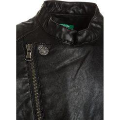Benetton Kurtka ze skóry ekologicznej black. Czarne kurtki chłopięce przeciwdeszczowe Benetton, z materiału. Za 209,00 zł.