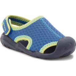 Sandały CROCS - Swiftwater Sandal K 204024 Blue Jean/Navy. Niebieskie sandały chłopięce Crocs, z materiału, na rzepy. W wyprzedaży za 149,00 zł.