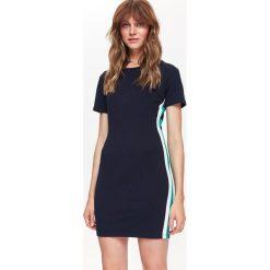 SUKIENKA DAMSKA KOLOROWA, GŁADKA. Czarne sukienki balowe Top Secret, na jesień, w kolorowe wzory. Za 79,99 zł.