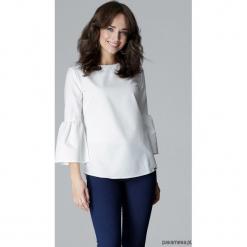Bluzka L010 bialy. Białe bluzki wizytowe marki Pakamera, l, eleganckie, z falbankami. Za 119,00 zł.
