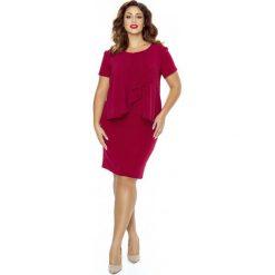 Bordowa Sukienka Elegancka Warstwowa z Żabotem Plus Size. Czerwone sukienki balowe marki Molly.pl, na spotkanie biznesowe, plus size, z tkaniny, z klasycznym kołnierzykiem, plus size, wyszczuplające. Za 198,90 zł.
