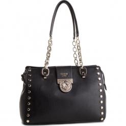 Torebka GUESS - HWVG71 77090 BLA. Czarne torebki klasyczne damskie Guess, z aplikacjami, ze skóry ekologicznej. Za 729,00 zł.