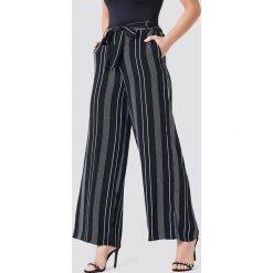 Paski damskie: Trendyol Szerokie spodnie w paski – Black