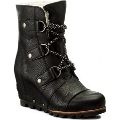 Buty zimowe damskie: Botki SOREL - Joan Of Arctic Wedge Mid Shearling NL2703 Black/Ancient Fossil