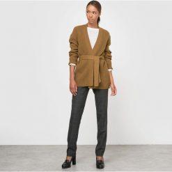Sweter rozpinany z paskiem. Szare kardigany damskie marki La Redoute Collections, m, z bawełny, z kapturem. Za 92,40 zł.