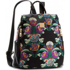 Plecak NOBO - NBAG-F1080-C020 Czarny Z Kwiatami. Czarne plecaki damskie marki Nobo, z materiału, eleganckie. W wyprzedaży za 149,00 zł.