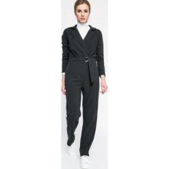 Pepe Jeans - Kombinezon Valerie. Czarne kombinezony z printem Pepe Jeans, l, z elastanu, z długim rękawem, długie. W wyprzedaży za 299,90 zł.