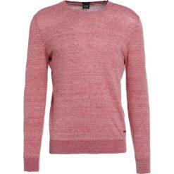 Swetry klasyczne męskie: BOSS CASUAL KWASIROL Sweter light red