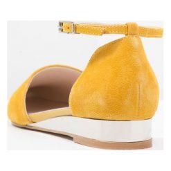 Czółenka: Zign Czółenka na koturnie yellow