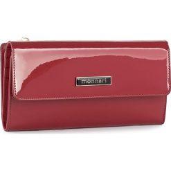 Duży Portfel Damski MONNARI - PUR1051-005 Red. Czerwone portfele damskie marki Monnari, z lakierowanej skóry. W wyprzedaży za 129,00 zł.