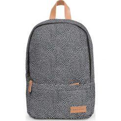 """Plecak """"Dee"""" w kolorze szarym - 26,5 x 39 x 12 cm. Szare plecaki męskie Eastpak, w paski, z materiału. W wyprzedaży za 130,95 zł."""
