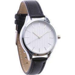 Czarno-Biały Zegarek Range. Białe zegarki damskie Born2be. Za 29,99 zł.