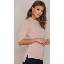 Filippa K T-shirt w prążki - Pink. Fioletowe t-shirty męskie marki KIPSTA, m, z elastanu, z długim rękawem, na fitness i siłownię. Za 551,95 zł.