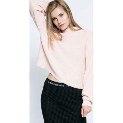 Calvin Klein Jeans - Sweter. Szare swetry klasyczne damskie Calvin Klein Jeans, l, z bawełny. W wyprzedaży za 359,90 zł.