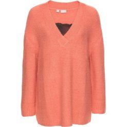 Swetry klasyczne damskie: Sweter dzianinowy z koronką bonprix brzoskwiniowo-czarny