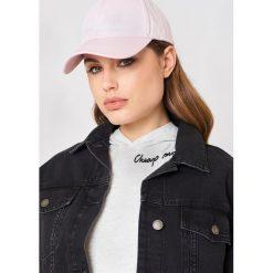 Cheap Monday Czapka z daszkiem CM - Pink. Różowe czapki damskie Cheap Monday, z nadrukiem. W wyprzedaży za 50,48 zł.