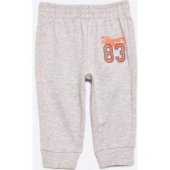 Blu Kids - Spodnie dziecięce 68-98 cm. Szare spodnie chłopięce Blukids, z bawełny. W wyprzedaży za 15,90 zł.