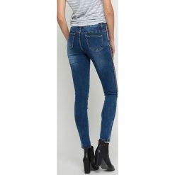 Boyfriendy damskie: Jeansy rurki z lampasami niebieskie