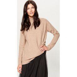 Sweter oversize z domieszką wełny - Beżowy. Brązowe swetry oversize damskie marki Mohito, m. Za 119,99 zł.