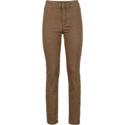 Dżinsy SKINNY z wysoką talią bonprix brązowy. Czerwone jeansy damskie marki OLAIAN, z materiału, sportowe. Za 37,99 zł.