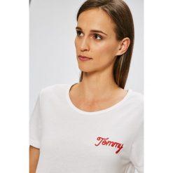 Tommy Hilfiger - Top. Niebieskie topy damskie marki DOMYOS, z elastanu, street, z okrągłym kołnierzem. W wyprzedaży za 179,90 zł.