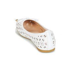 Baleriny Wildflower  ASHINGTON. Białe baleriny damskie marki Wildflower. Za 104,30 zł.