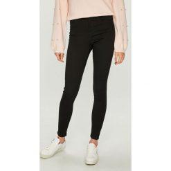 Vero Moda - Jeansy Sophia. Czarne jeansy damskie rurki marki Vero Moda, z bawełny, z podwyższonym stanem. W wyprzedaży za 119,90 zł.