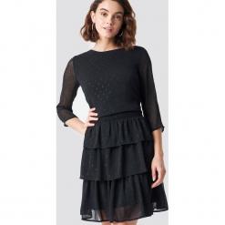 Rut&Circle Sukienka w brokatowe kropki - Black. Sukienki małe czarne marki Rut&Circle, z dzianiny, z okrągłym kołnierzem. Za 242,95 zł.