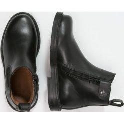 Aigle SHETLAND Botki noir. Czarne botki damskie skórzane Aigle. W wyprzedaży za 179,50 zł.