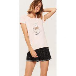Dwuczęściowa piżama z królikiem - Wielobarwn. Czerwone piżamy damskie marki House, l, z motywem z bajki. Za 49,99 zł.