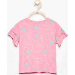 T-shirty damskie: T-shirt z falbankami przy rękawach – Różowy