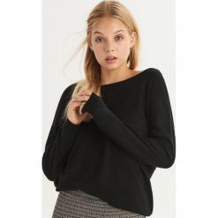 Sweter z wycięciem na plecach - Czarny. Czarne swetry klasyczne damskie Sinsay, l, z dekoltem na plecach. Za 49,99 zł.