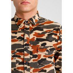 Koszule męskie na spinki: RVLT PATTERN Koszula camo
