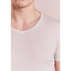 BOSS Orange TRACE Tshirt basic open white. Niebieskie koszulki polo marki Tiffosi. Za 249,00 zł.
