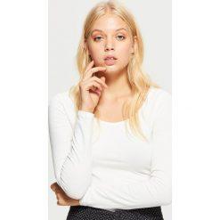 Gładka koszulka z długimi rękawami - Biały. Białe t-shirty damskie marki Cropp, l. Za 29,99 zł.