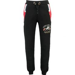 """Spodnie dresowe """"Moduk"""" w kolorze czarnym. Czarne joggery męskie marki Geographical Norway, z aplikacjami, z dresówki. W wyprzedaży za 117,95 zł."""