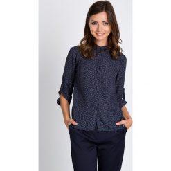 Bluzki damskie: Granatowa bluzka z delikatnym wzorem QUIOSQUE