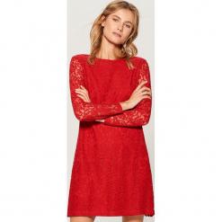 Sukienka mini z koronki - Czerwony. Czerwone sukienki koronkowe marki numoco, na ślub cywilny, l, eleganckie, z klasycznym kołnierzykiem, maxi. Za 99,99 zł.