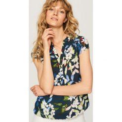 Koszula w kwiaty - Granatowy. Niebieskie koszule damskie marki Reserved, w kwiaty. W wyprzedaży za 39,99 zł.