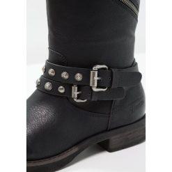 TOM TAILOR DENIM Kowbojki i Buty motocyklowe black. Czarne buty zimowe damskie marki TOM TAILOR DENIM, z denimu. W wyprzedaży za 184,50 zł.