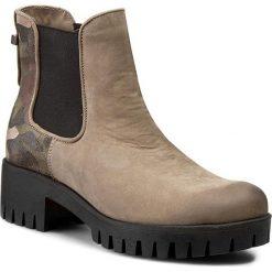 Botki CARINII - B3479 Sam. 1480/Welur Taupe F. Moro/Oc. Filc. Brązowe buty zimowe damskie marki Carinii, z materiału, na obcasie. W wyprzedaży za 199,00 zł.
