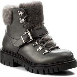 Botki WOJAS - 7678-50 Popiel. Czarne buty zimowe damskie marki Wojas, z materiału, z okrągłym noskiem. W wyprzedaży za 279,00 zł.
