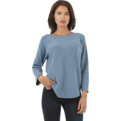 Sweter w kolorze niebieskim. Niebieskie swetry klasyczne damskie marki L'étoile du cachemire, z kaszmiru. W wyprzedaży za 129,95 zł.